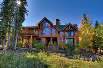 apres ski 5 bedroom pet friendly cabin north lake tahoe by Tahoe Luxury Properties