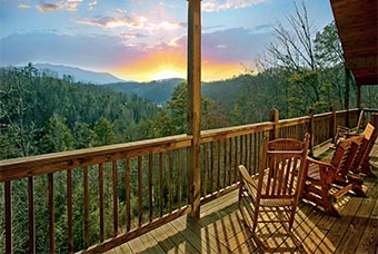 bear hunter 4 bedroom pet friendly cabin Sevierville by Jackson Mountan Homes
