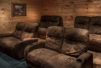 big bear lodge 4 bedroom pet friendly cabin Sevierville by Acorn Ridge Cabin Rentals