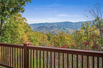 dancing bear lodge 6 bedroom pet friendly cabin in Gatlinburg by Stony Brook Lodging