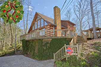 hearts desire 5 bedroom pet friendly cabin in Gatlinburg by Cabins USA
