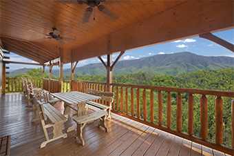 Mountain Breeze Manor 4 bedroom pet friendly cabin Sevierville by Hearthside Cabin Rentals