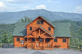 Parkside Palace 4 bedroom pet friendly cabin Sevierville by Hearthside Cabin Rentals